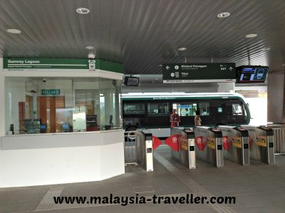 BRT ticket office and turnstiles