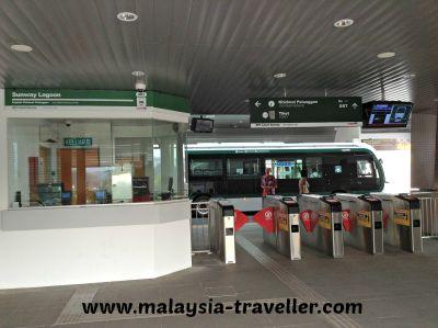 BRT ticket office and turnstiles