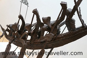 Sculpture by Mad Anwar Ismail at Bank Negara Museum