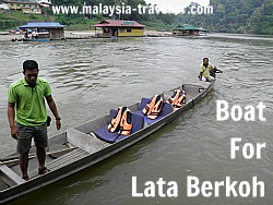 Boat for Lata Berkoh Excursion, Taman Negara