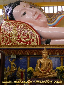 Reclining Buddha at Wat Chaiyamangalaram