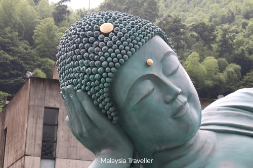 Nanzoin Temple & World's Largest Bronze Reclining Buddha ...
