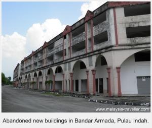 Abandoned shophouses at Bandar Armada, Pulau Indah