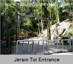 Entrance to Jeram Toi