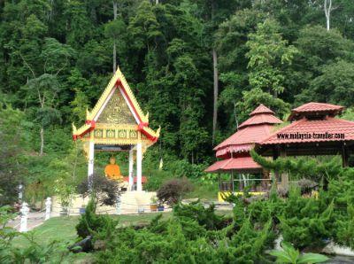 Garden at Wat Wanararm