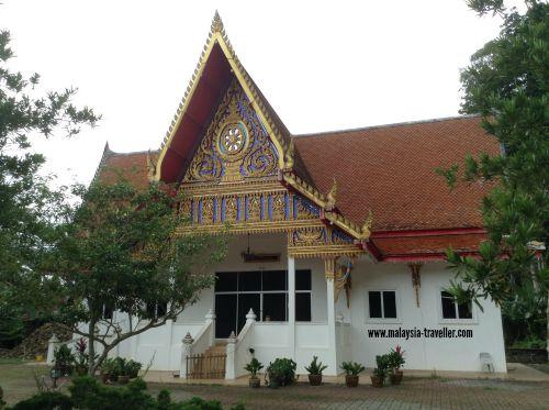 Main prayer hall at Wat Koh Wanararm