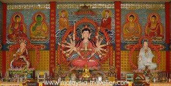 Statue of the Bodhisattva Avalokitesvara with 18 arms.