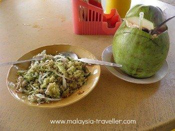 Lunch at Wat Phothivihan